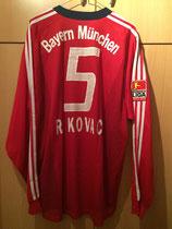 03/04 Bundesliga Derby Spielertrikot von Robert Kovac hinten
