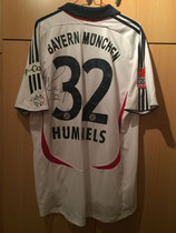 06/07 Bundesliga away Spielertrikot von Mats Hummels hinten