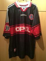 97/98 Champions League home Spielertrikot von Lothar Matthäus vorne