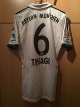 13/14 Bundesliga away Spielertrikot von Thiago Alcántara hinten