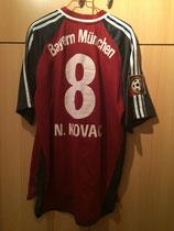 01/02 Bundesliga home Spielertrikot von Niko Kovac hinten