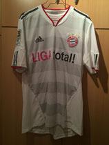 10/11 Bundesliga away Spielertrikot von Mark van Bommel vorne