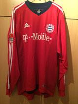 03/04 Bundesliga Derby Spielertrikot von Robert Kovac vorne