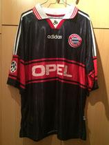 98/99 Champions League home Spielertrikot von Berkant Göktan vorne