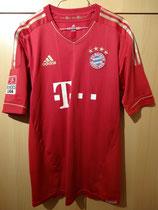12/13 Bundesliga home Spielertrikot von Mario Mandžukić vorne