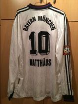 97/98 Bundesliga away Spielertrikot von Lothar Matthäus (Astra) hinten