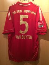 11/12 Bundesliga home Spielertrikot von Daniel van Buyten hinten