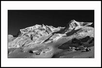 Monte Rosa, Walliser Alpen. Einzel-Abzug auf Hahnemühle Fine Art Pearl. Foto-Format 50 x 28 cm. Gerahmt, in Museumsqualität. Edition limitiert (1 + 9). Preis: 1950 CHF.