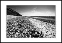 Elements of a beach, Anholt, Kattegat. Einzel-Abzug auf Hahnemühle Photo Rag. Foto-Format 46 x 31 cm. Passepartouriert, gerahmt, hinter UV-Glas. Edition limitiert (1 + 9). Preis: 1650 CHF.