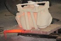 Extracción del molde de los hornos.