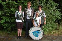 Die Königsfamilie 2012-2013 des Schützenvereins Neuhaus (Oste) (Foto J. Bauer)