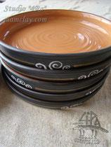 15-08. Керамические тарелки ручной работы.
