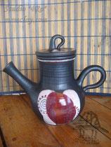 15-04.  Керамический чёрнолощёный чайник ручной работы