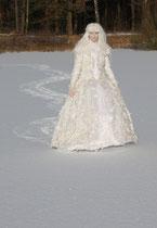 Fantasie & Wirklichkeit Fotografien und Gedichte Kathrin Steiger Winter Schnee Schneefee Schneeelfe Schnee-Elfe Winterfee Winterelfe Fairy Snow Fairy Fairies