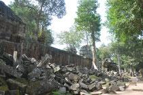 Die Tempel verfallen über die Jahrhunderte