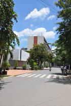 Einfahrt zum Campus