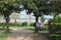 welches von einem kalifornischem Khmer geführt wird