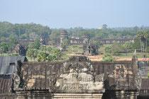 Die Tempelanlage vom Hauptturm aus gesehen.