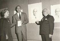 Exposition à Lisbonne en 1970 A.Bilis avec Suzanne, sa femme, et S.M. le roi Umberto d'Italie