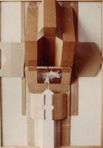Karton-Objekt auf Holz,1994