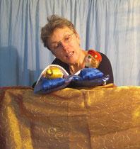 Puppenschwester Barbara im Schlafgemach der Prinzessin