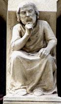 Sculpture Maison Douillet- Face à la Cathédrale