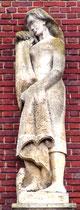 Détail des sculptures de la façade, place René Goblet: l'Hiver