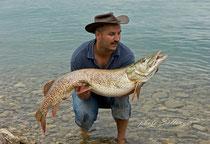 125cm Freiwasserhecht mit 13,50Kg, gefangen beim Schleppfischen am Attersee, Hechtfischen am Attersee