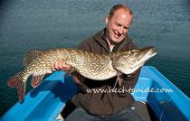110cm Hecht, gefangen beim Schleppfischen am Attersee, Hechtfischen am Attersee