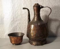 3893/ Marokkan. Wasserkanne mit Schale ~1900, Kupfer, repariert, H 36cm, EUR 40,-