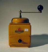 "2989/ Kaffeemühle ""Zassenhaus"" ~1950, H 23cm, EUR 35,-"