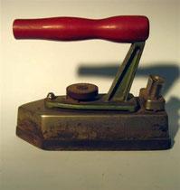 2951/Elektr. Bügeleisen ~1940, L 25cm, EUR 32,-