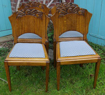 OB0036/ 4 Stühle ~1920, Eiche, EUR 1200,- (incl. Tisch)