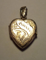 3257/ Herzmedaillon ~1950, Silber 835, L 3cm, EUR 20,-