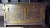 OB0046/ Sitztruhe ~1910, Nussholz, EUR 250,-