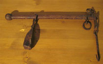2519/ Balkenwaage ~1850, Eiche+Eisen, L 40cm, EUR 55,-