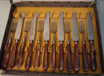 """4118/ Besteck ~1920, 6 Messer+6 Gabeln, rostfrei, """"Eichenlaub"""", EUR 55,-"""