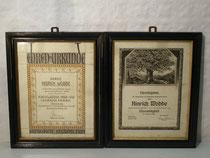 4261/ Zwei gleiche Bilderrahmen m. Urkunden ~1900, 35x28cm, kleine Abplatzer, EUR 36,-