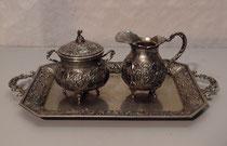 """4234/ Zucker-Milch-Set """"Rosen"""" ~1900, 800er Silber, 717g, 620,-"""