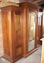 KT0124/Kleiderschrank ~1890.Nussholz, zerlegbar, EUR 1500,-