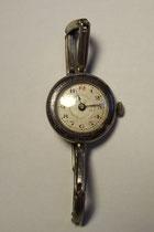 3254/ Damen-Armbanduhr ~1900, Silber, Ø 2,5cm, läuft nicht! EUR 25,-