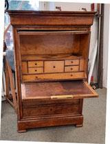 Schreibschrank,  Nußbaum Maser,  ca.1840,  sehr zierlich