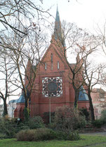 "Kirche ""Zum Guten Hirten"" Friedenau am Freidrich-Wilhelm-Platz. Foto: Helga Karl"