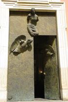 Magnifique portail sculpté