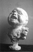 Tête de bébé pleurant © Chris Bazireau