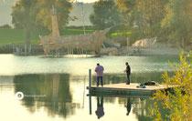 """Schlosssee Salem im H-Grund das """"Piratenschiff"""" vor der Robinsoninsel"""