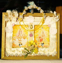 """May the light and purity of Saraswati and Durga shine upon and inside of you"" (with wooden frame) by Walpurgis S, Dec. 3, 2014; 40x32 cm; € 108,-; sold/verkauft"