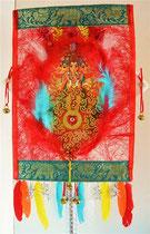 """""""Celebrating Ganesha, the remover of obstacles"""": Der von allen Hindernissen befreiende Elefantengott (Fruchtbarkeit, Fülle, Reichtum, Zufriedenheit). Material: Federn, Papier, Textil, Glassteine, Metallglöckchen. 90,-; Tafelbild 2015"""
