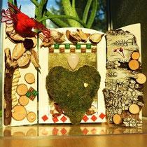 """""""Vogel des Erwachens und Moosherz"""": 3-teiliges Tafelbild auf Holz mit Birkenrinde, Moos, Baumwollschalen, Glasplättchen, getrockneten Jasminblüten, Rosenquarz, Perlen, Strohblumen, u.a., 26x19 cm;  € 90,-. April 2015"""
