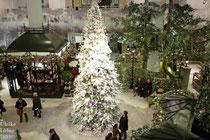 KaDeWe mit Weihnachtsdekoration